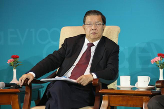 龙永图:凡是在中国本土注册的企业 都属于中国的企业