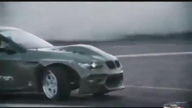 视频:宝马M3 E92 - Armytrix排气 - 疯狂漂移声浪!