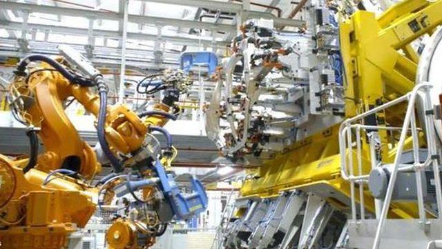 视频:揽胜星脉和捷豹F-pace车身生产车间揭秘