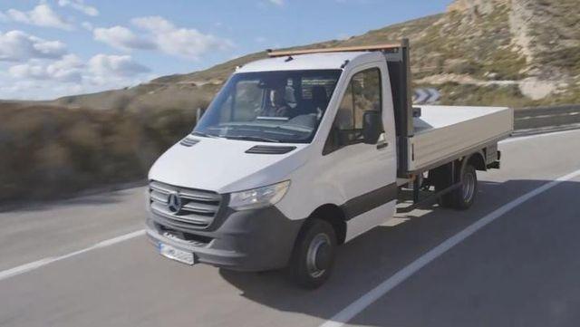 视频:2018奔驰sprinter卡车版