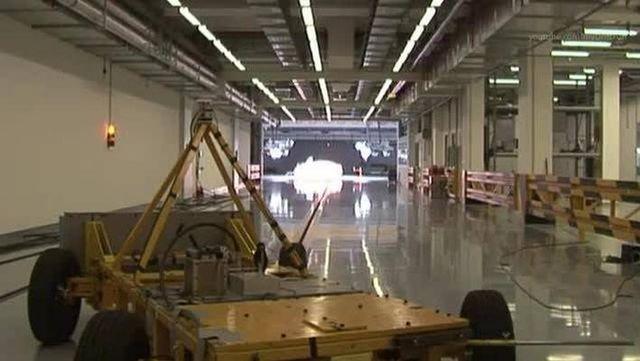 视频:宝马3系E90汽车撞击试验