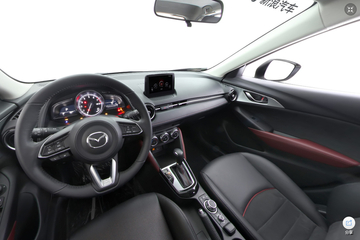 2018款马自达CX-3 2.0L自动尊贵版