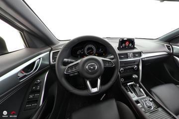 2018款马自达CX-4 2.0L自动两驱蓝天品位版