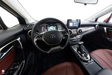 2018款北汽绅宝D50 1.5L CVT尊贵智联版