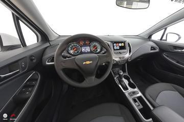 2018款科鲁兹 320 自动炫锋都市版