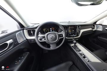2018款沃尔沃XC60 2.0T自动四驱T5智雅运动版