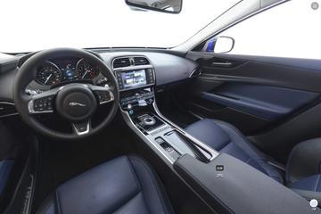 2018款捷豹XE 2.0T四驱R-Sport运动版