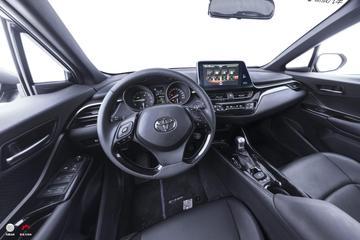 2018款C-HR 2.0L自动酷跑豪华版