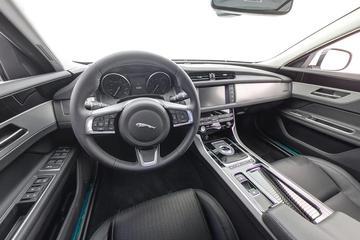 2018款 XF Sportbrake  2.0T四驱风华版