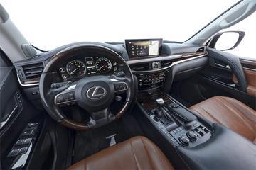 2017款 雷克萨斯 LX570动感豪华版