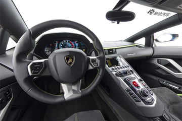 2017款 兰博基尼 Aventador S