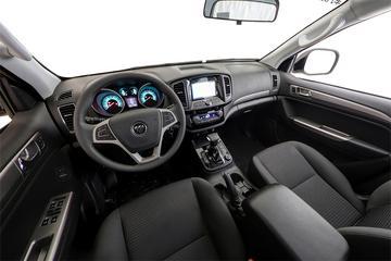 2017款 萨瓦纳 2.0T自动四驱汽油豪华版5座