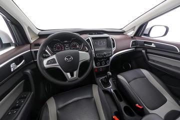 2017款 幻速H3  1.5L 手动舒适天窗版