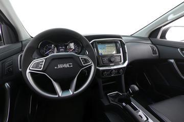 2017款 江铃域虎7 2.4T 柴油手动四驱豪华型