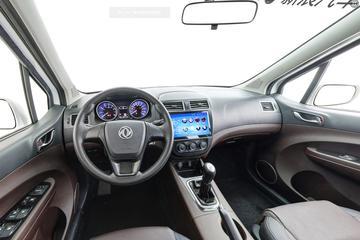 2017款 东风风行景逸X3 1.5L 手动舒适型