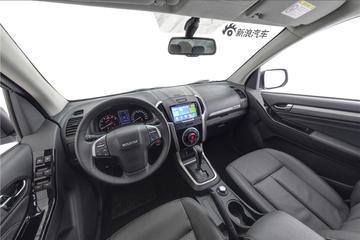 2018款五十铃D-MAX 3.0T自动四驱超豪华型