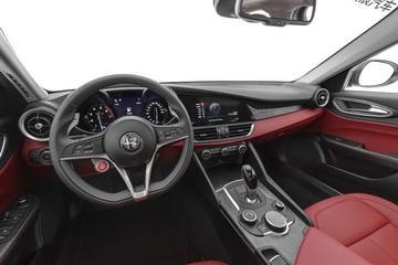 2019款Giulia 2.0T自动280HP 豪华版