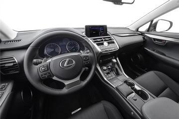 2020款雷克萨斯NX200 2.0L自动前驱锋行版国VI
