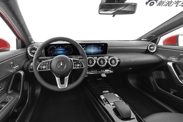 2020款奔驰A级1.3T自动200 L