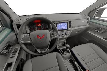 2021款五菱征途1.5L开拓型