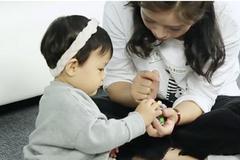 不同月龄宝宝的宅家亲子游戏攻略 益智又有趣!