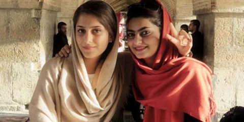 伊朗绝色美女也愁嫁
