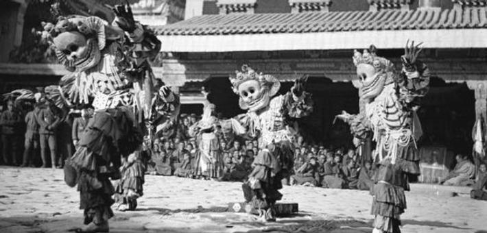 边地十年:庄学本记录早期藏民影像