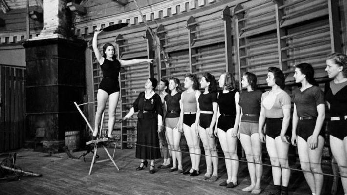 老照片:苏联时代的马戏学校