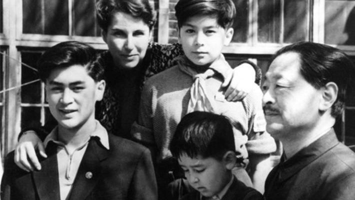 穿越百年的家族老照片