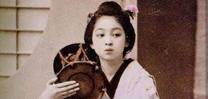 一个日本人帮美国人拍的照片