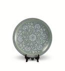 《缠枝牡丹》(青瓷粉彩盘)35x35x5cm2003年(收藏于浙江省博物馆)