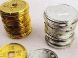 潜别墅找手纸 顺走一盒古钱币