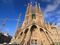 艺术家打造出30米高教堂,然后烧掉