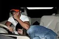 女子高速上坐老公大腿无证驾驶 监控拍摄到不忍直视