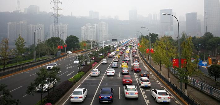 直击重庆三桥不限号首日早高峰
