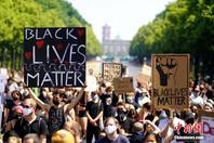 德國柏林再現反種族主義示威