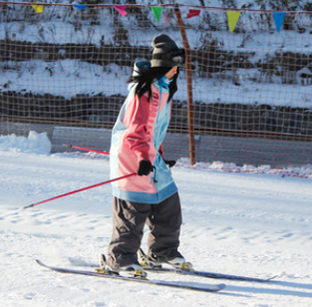 冬游神农架 赏雪滑雪过大年
