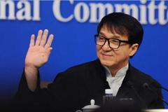 成龙追忆吴孟达:爱国情怀刻在每个中国人骨子里