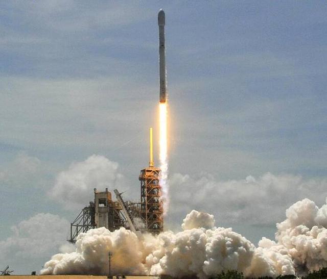 美国可回收火箭成功发射卫星
