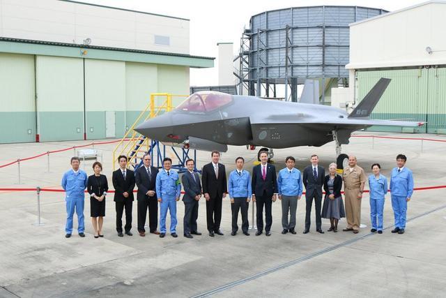 美驻日大使参观日本F35A组装厂