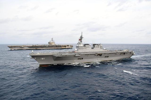 美航母和日准航母联合反潜训练