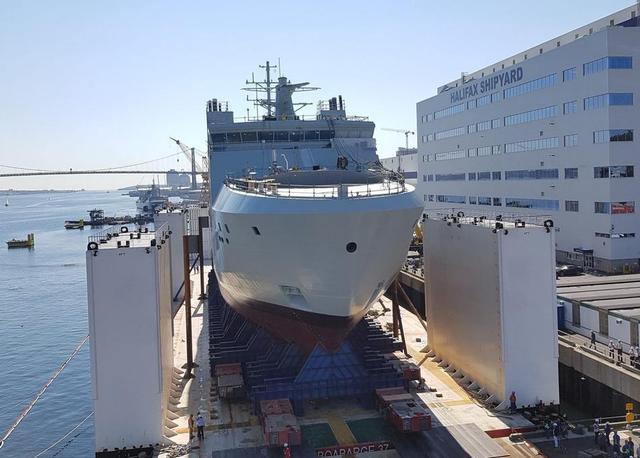 加拿大建造北极巡航舰下水