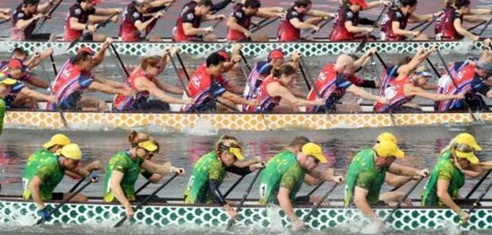 """划龙舟的外国选手:""""好像触摸到龙舟背后数千年的历史"""""""