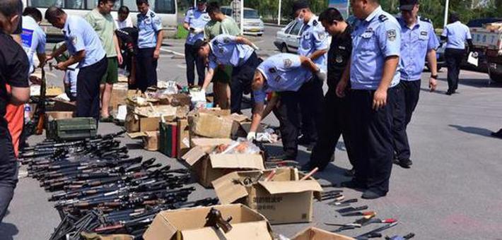 警方组织开展集中销毁非法枪爆物品活动