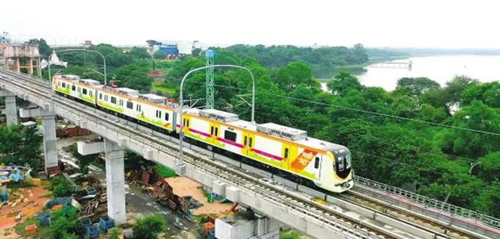 """""""大连造""""新款地铁印度开跑"""