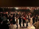 高三学生为放松心情跳兔子舞