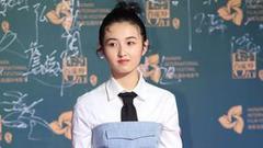 张子枫辟谣不参加艺考:今年高二 不出意外明年参加