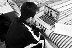 北京中小学生首尝网络开学开学第一课新鲜又亲切