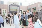 美国华人家长:疫情期间孩子在家上课家长也成长