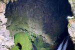 贵州安顺公交车坠湖21死知情人称一名高考生在ICU